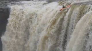 Kayakers Go Over 90-foot Waterfall