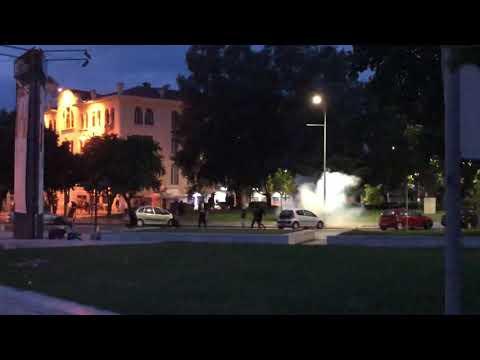 Θεσσαλονίκη: Πετροπόλεμος και χημικά σε εκδήλωση του ΣΥΡΙΖΑ για το Σκοπιανό (βίντεο)
