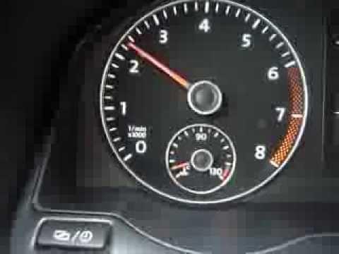 Das Benzin aus dem Ausblaserohr