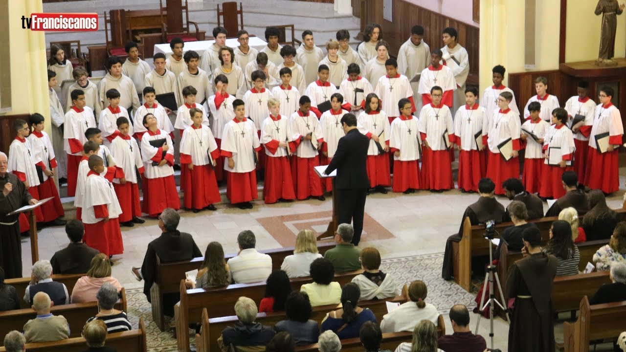 Canarinhos de Petrópolis | Fremuit Spiritu Jesus