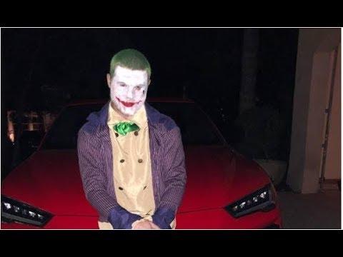 El Canelo Alvarez recibe burlas por su disfraz de Halloween