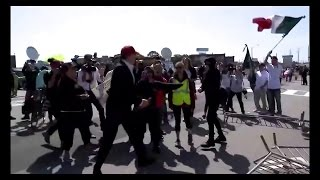 (UNCENSORED) Brave Trump Supporter Walks Through Protesters (VIRAL VIDEO)