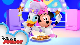 The Great Cookie Bake-Off | Minnie's Bow-Toons 🎀  | Disney Junior 