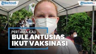 Bule Skotlandia Antusias Ikut Vaksin Sinovac di Depok: I'm Very Happy