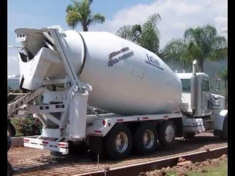 Camion Revolvedor para Concreto con Capacidad de 12 mts.avi