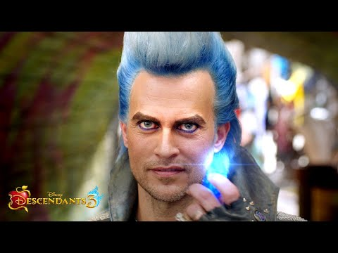 Meet Hades 🔥 | Descendants 3