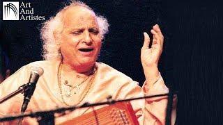 Shri Kameshwari  Guru Charan Me