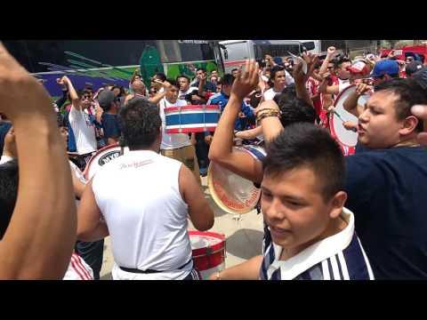 """""""La banda de Chivas en Puebla"""" Barra: Barra Insurgencia • Club: Chivas Guadalajara"""
