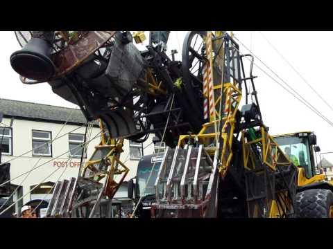The Man Engine transforms in Liskeard