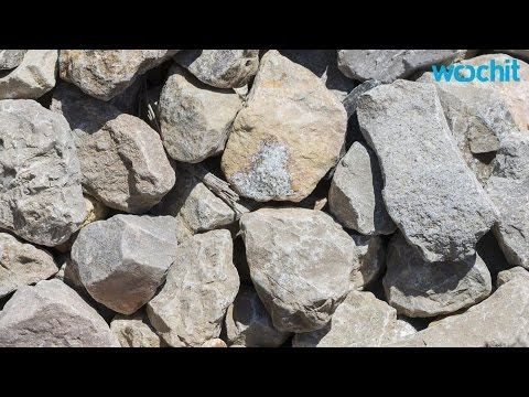 Woman Stoned for Alleged Adultery (GRAPHIC)