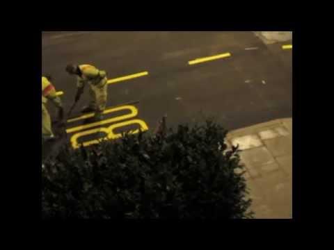 Δείτε πως γράφουν πάνω στον δρόμο!