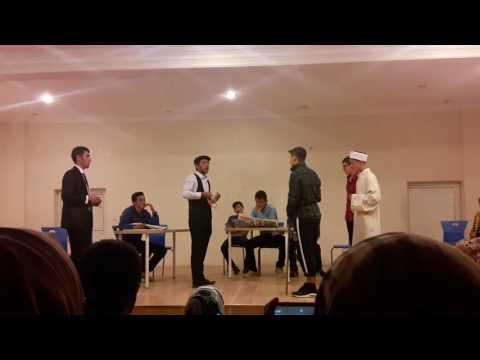 Büyükorhan Çok Programlı Anadolu Lisesi Komşu Köyün Delisi Tiyatro