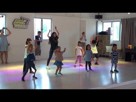 Kids dance group class