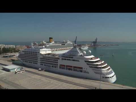 Ya hay una hoja de ruta para que Cádiz sea puerto base de cruceros