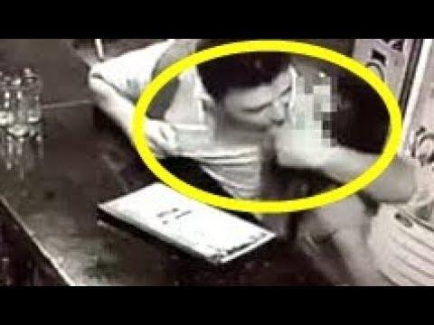 🔴Vídeo mostra pedófilo abusando de menina em bar e ninguém faz nada