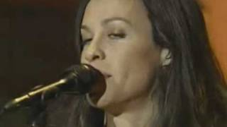 03 - 21 things I want in a lover - Alanis Morissette (AOL 8.0 Launch Party 2002)
