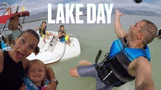 🚤 SURPRISE TRIP TO THE LAKE 👙 KIDS CRAZY TUBING 🏊 FIRST TIME BOATING THIS YEAR 🛥️ - Video Youtube