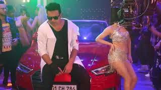 कृष्णा अभिषेक और श्वेता खंडूरी ने हिंदी कॉमेडी फ़िल्म शर्मा जी की लग गयी के लिए फरारी गाना शूट किया नायगांव में