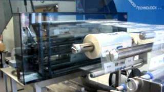 Packaging Machine with transverse resealable Zipper Applicator