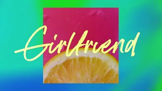 Musik-Video-Miniaturansicht zu Girlfriend Songtext von Charlie Puth