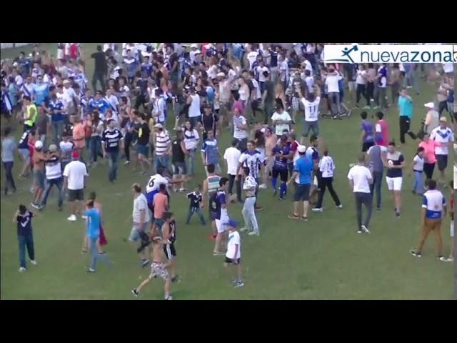 Los festejos: La vuelta olímpica de la V Azulada y el aplauso de la hinchada del Verde