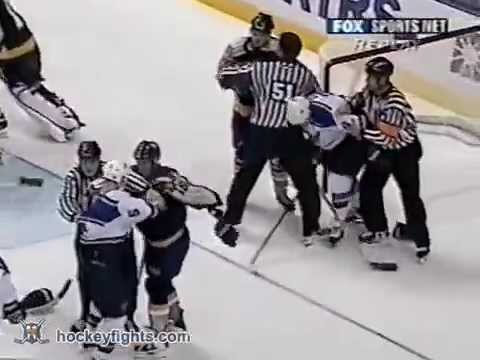 Barret Jackman vs. Denis Pederson