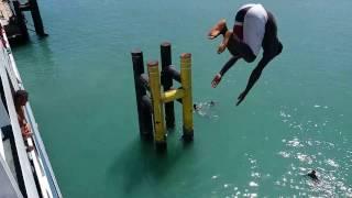 Salto da morte em FerryBoat na Bahia - Ilha de Itaparica