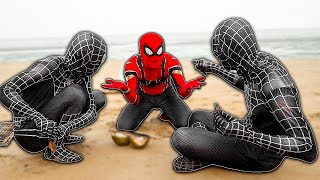 SPIDER-MAN vs DOUBLE VENOM In Real Life | Battle On The Beach | Người nhện và Venom đi biển