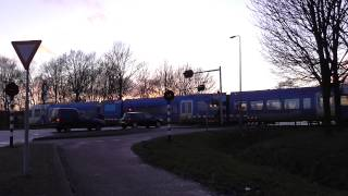 preview picture of video 'Spoorwegovergang Coevorden/ Passage a Niveau/ Railroad-/ Level Crossing/ Bahnübergang'