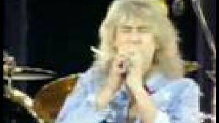 Queen & Def Leppard - Now I'm Here
