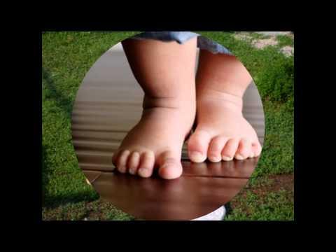 Большие ноги шли по дороге