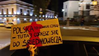 """SB. #StrajkKobiet. Akcja kierowców w Bochni: Klaksonami zagłuszali """"Wiadomości"""" TVP"""