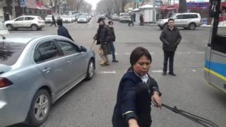 Троллейбусы в Алматы оборзевшие! 30 декабря 2016 года Гоголя - Муратбая