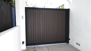 """The Brentwood"" Driveway Gate 