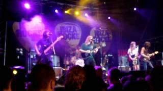 Zutons Ibiza Rocks 08 - Always right behind you