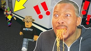 I EAT SPICY NOODLES, IF I GET CAUGHT! (Roblox Flee The Facility)