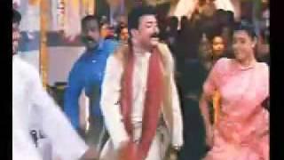 One Man Show- malayalam song-  pavizhamalar penkodi