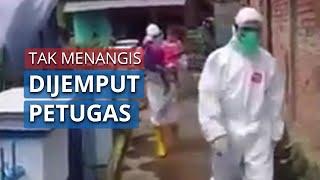 Video Bocah di Palembang Terinfeksi Covid-19, Tak Menangis saat Dijemput Petugas di Rumahnya