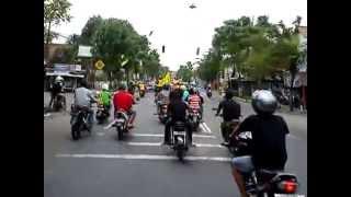 preview picture of video 'Konvoi The Lasbas saat Launching team Divisi Utama LI PERSETA Tulungagung'