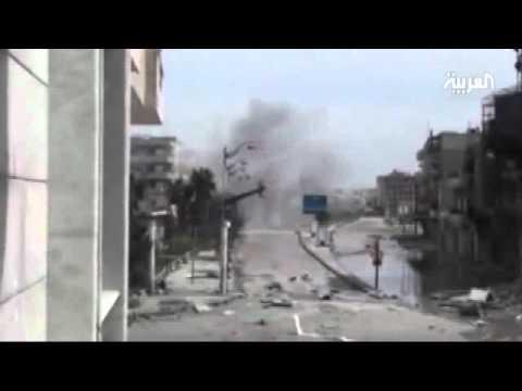 لحظة سقوط قذيفتين هاون على حي القرابيص في حمص