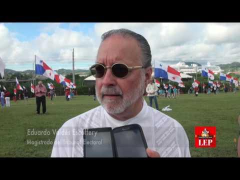 Siembra de banderas marca el inicio de las fiestas patrias