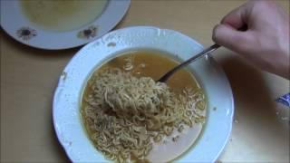 YumYum Curry Flavour Oriental Style Instant Noodles Halal