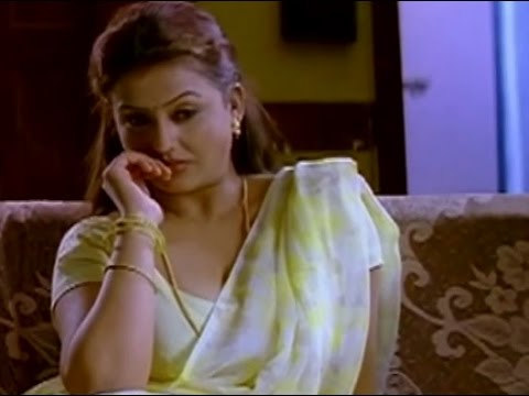 Sona is busy watching a movie   Pathu Pathu