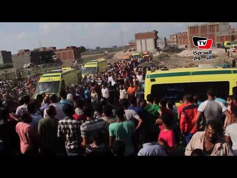 «الإسعاف» ينقل مصابي حادث قطاري الإسكندرية