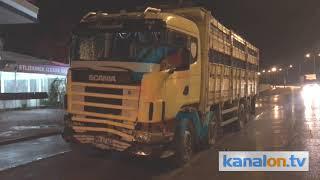 Konya'da tırın çarptığı otomobildeki çocuk öldü! Kaza anı kamerada