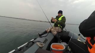 Рыбалка на Чёрном море / Отличный клёв / Fishing in the Black sea / the Perfect bite