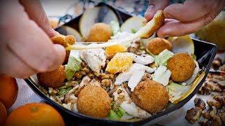 Новогодний салат со снежками   Рецепт салата с курицей и грушей и сырными шариками