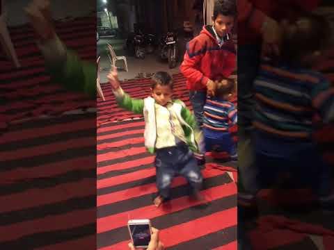 Shiv Bhajan/ Bhola nu matke/ Neelkanth pe chadh ke pi gaya ek balti bhang/ super dance by a kid