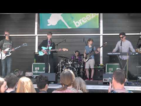 Frenchgirls at Leeds Breeze Festival: 25 May 2013