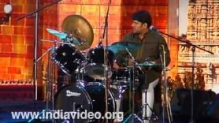 Fusion music by Ganesh and Kumaresh at Nishagandhi- II